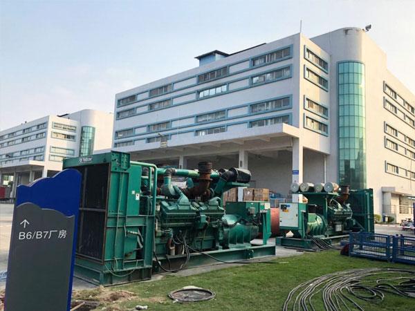 淮南某电子厂出租两台800KW康明斯发电机